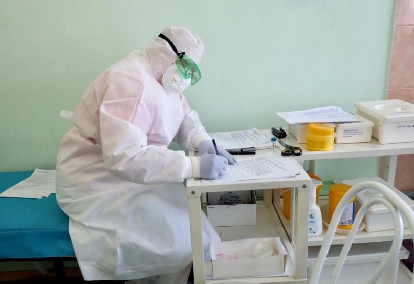 фото Обоняние не пропадает, а головная боль сильнее: вирусолог Нетёсов предположил появление индийского штамма коронавируса в Новосибирске 5