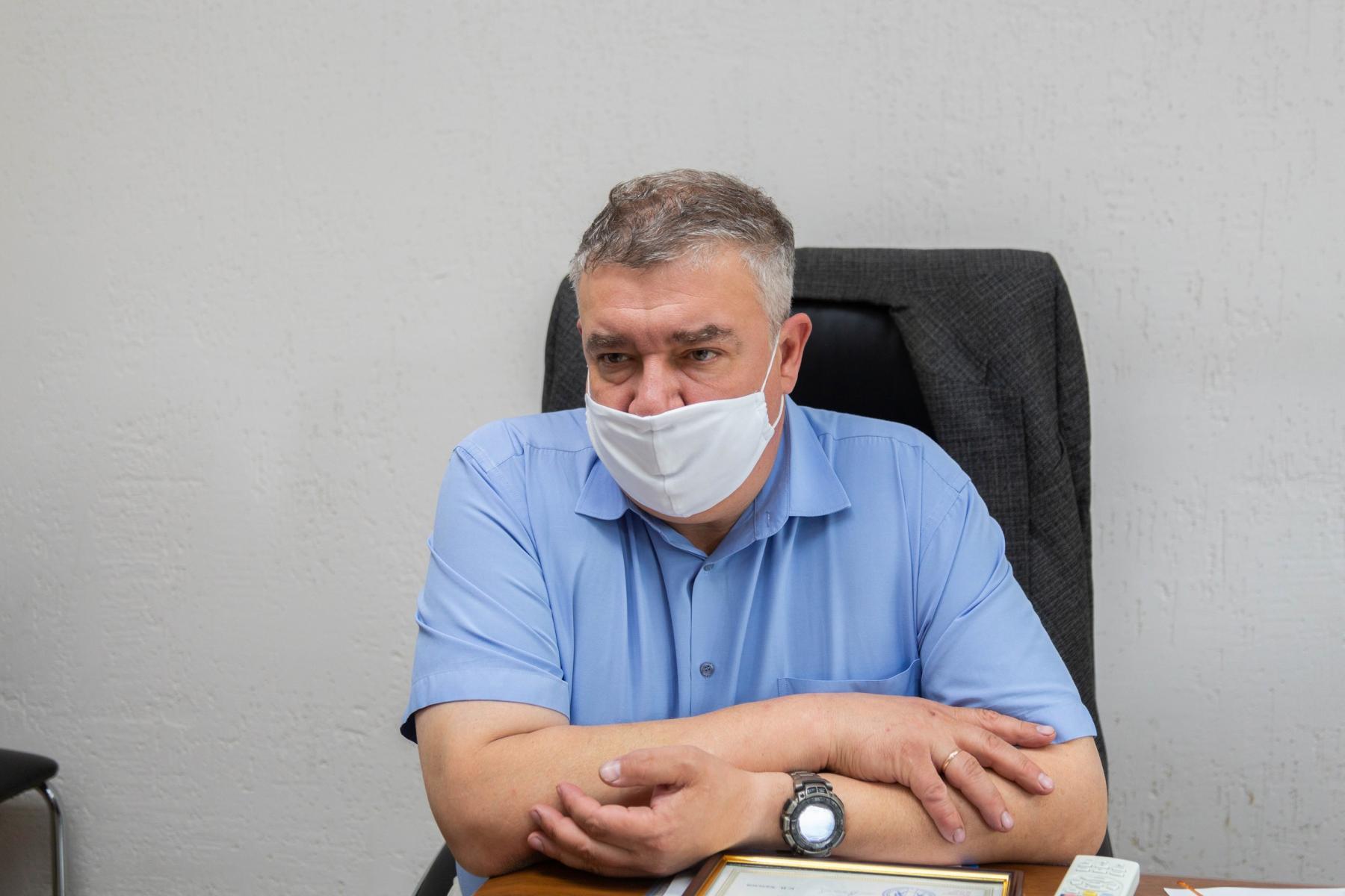 Фото «Пациенты лежат на животе по 14-16 часов в сутки»: врачи провели экскурсию по коронавирусному госпиталю Новосибирска 5