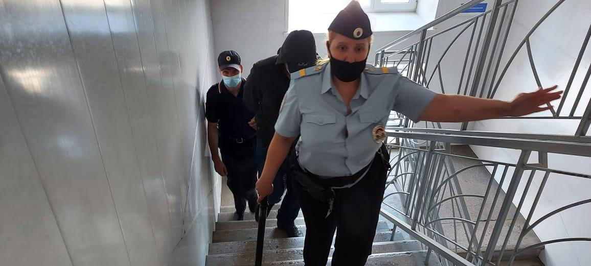 фото «Гусев до сих пор не может прийти в себя»: адвокат инспектора ДПС из Мошково не исключил давления потерпевшей стороны на следствие 3
