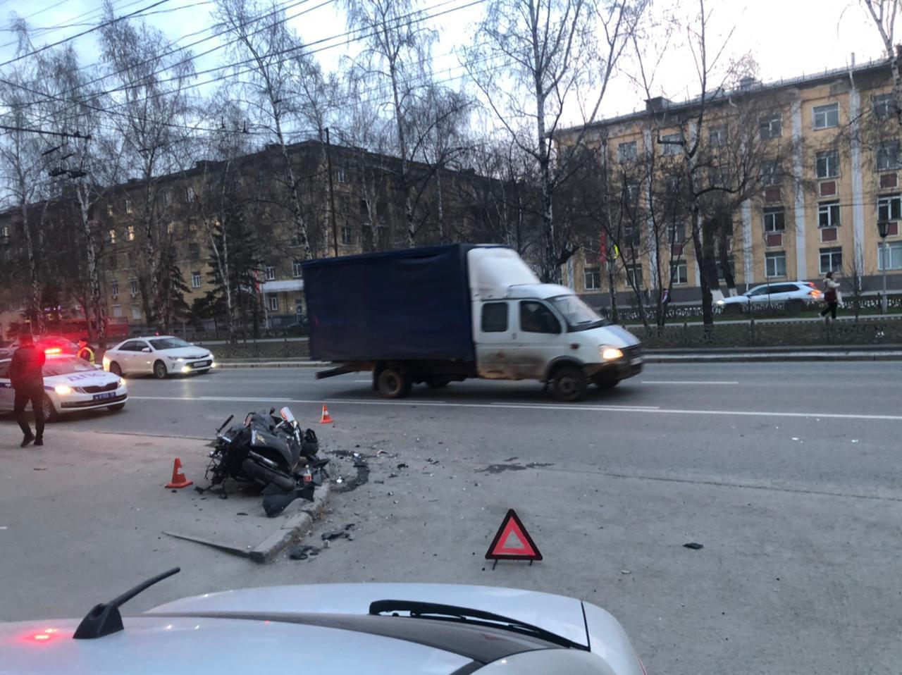 фото Быстрее ангела-хранителя: байкер, руководитель автошколы и психолог – о том, почему гибнут молодые мотоциклисты в Новосибирске 4