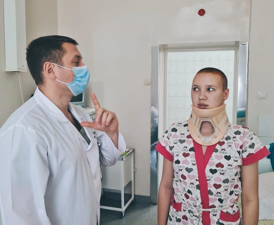 фото «Последнее, что помню - свет фонарей»: хирурги НИИТО прооперировали пострадавшую в ДТП девушку, от которой отказались другие врачи 2