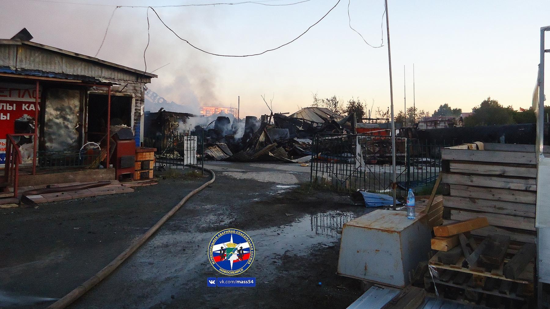 Фото Семь человек остаются в реанимации после взрыва на АЗС в Новосибирске 2