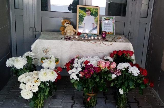 фото Смертельное ЧП в цехе Новосибирска, новые подробности в деле о гибели Векила Абдуллаева и скандал с переименованием площади Свердлова: главные новости 8 июня – в одном материале 2