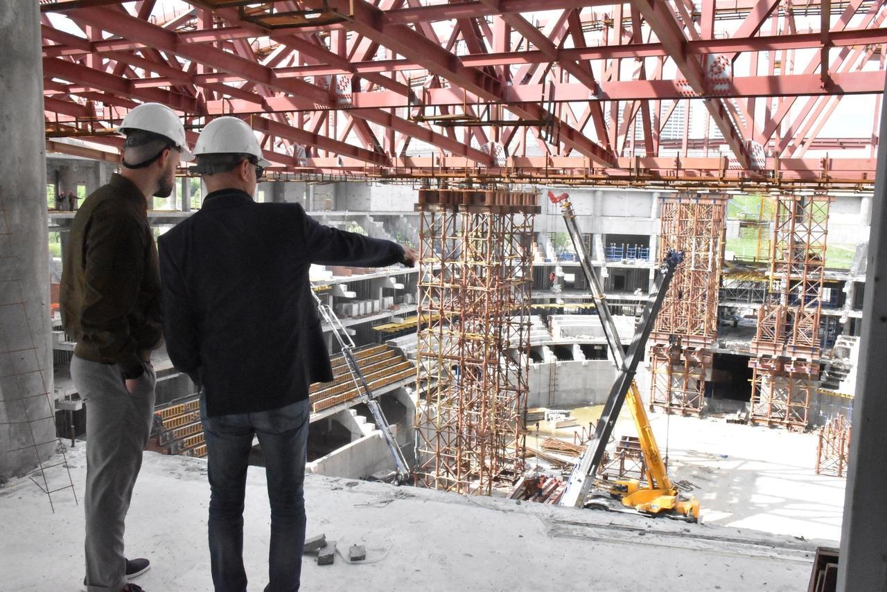 фото Вице-президент телесети TSN Пол Грэм оценил строительство ледовой арены к МЧМ-2023 в Новосибирске 4