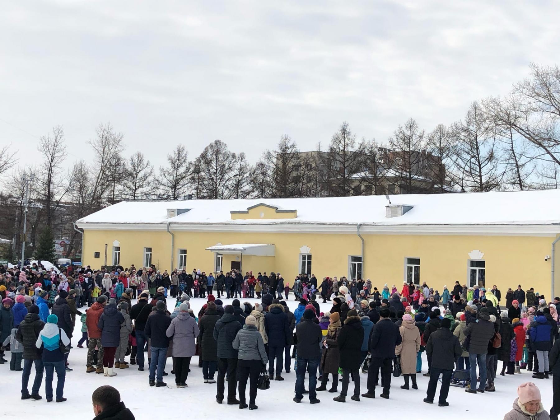 Фото В Новосибирске начали провожать зиму 4
