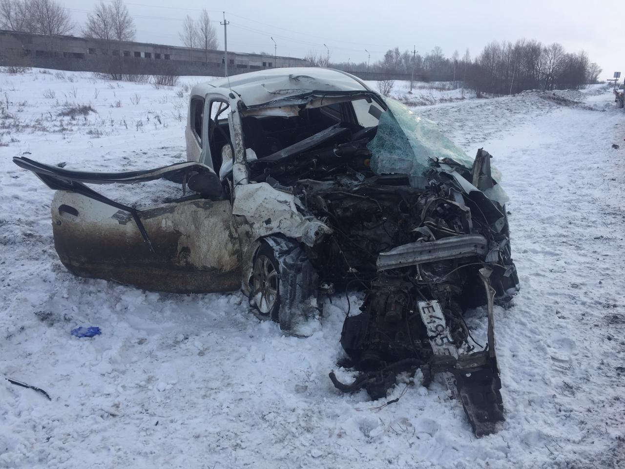 Фото Вырвало двигатель, бампер и стёкла: стали известны подробности смертельной автокатастрофы под Новосибирском 2