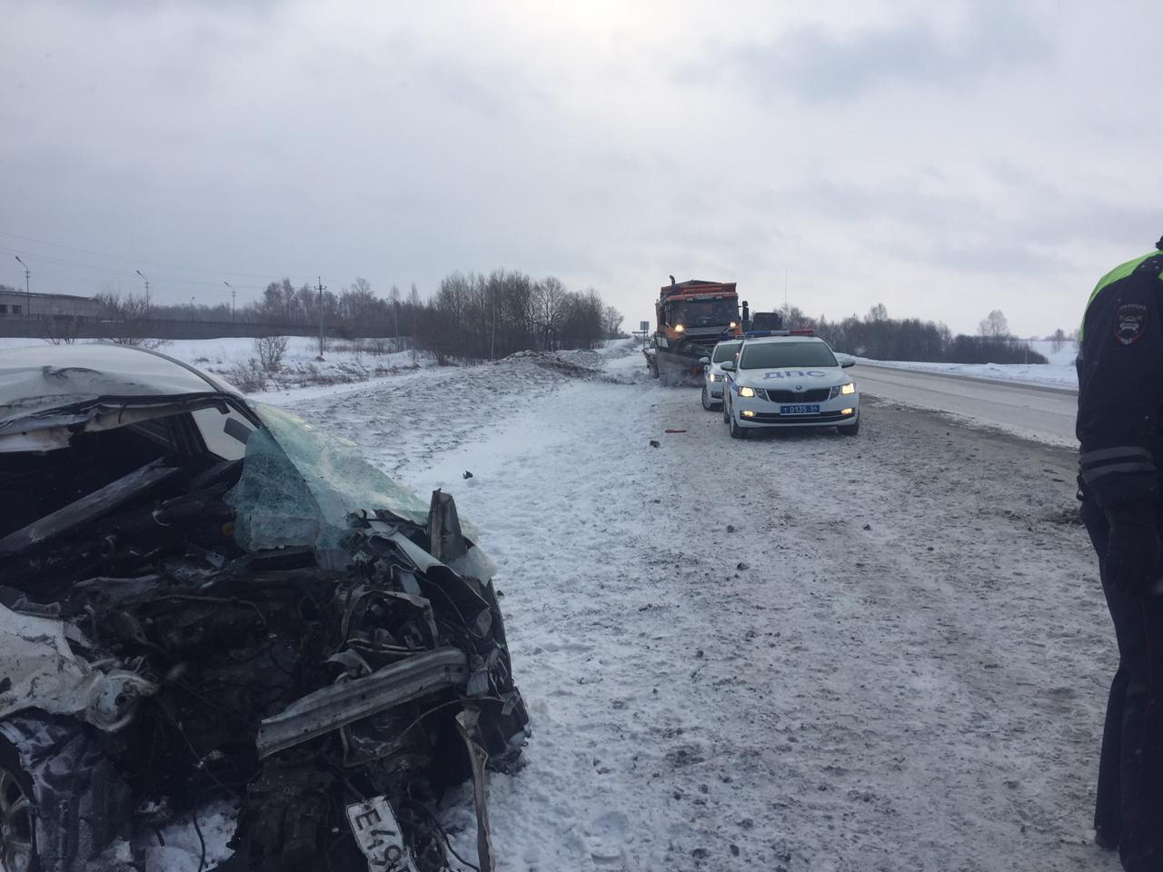 Фото Вырвало двигатель, бампер и стёкла: стали известны подробности смертельной автокатастрофы под Новосибирском 5