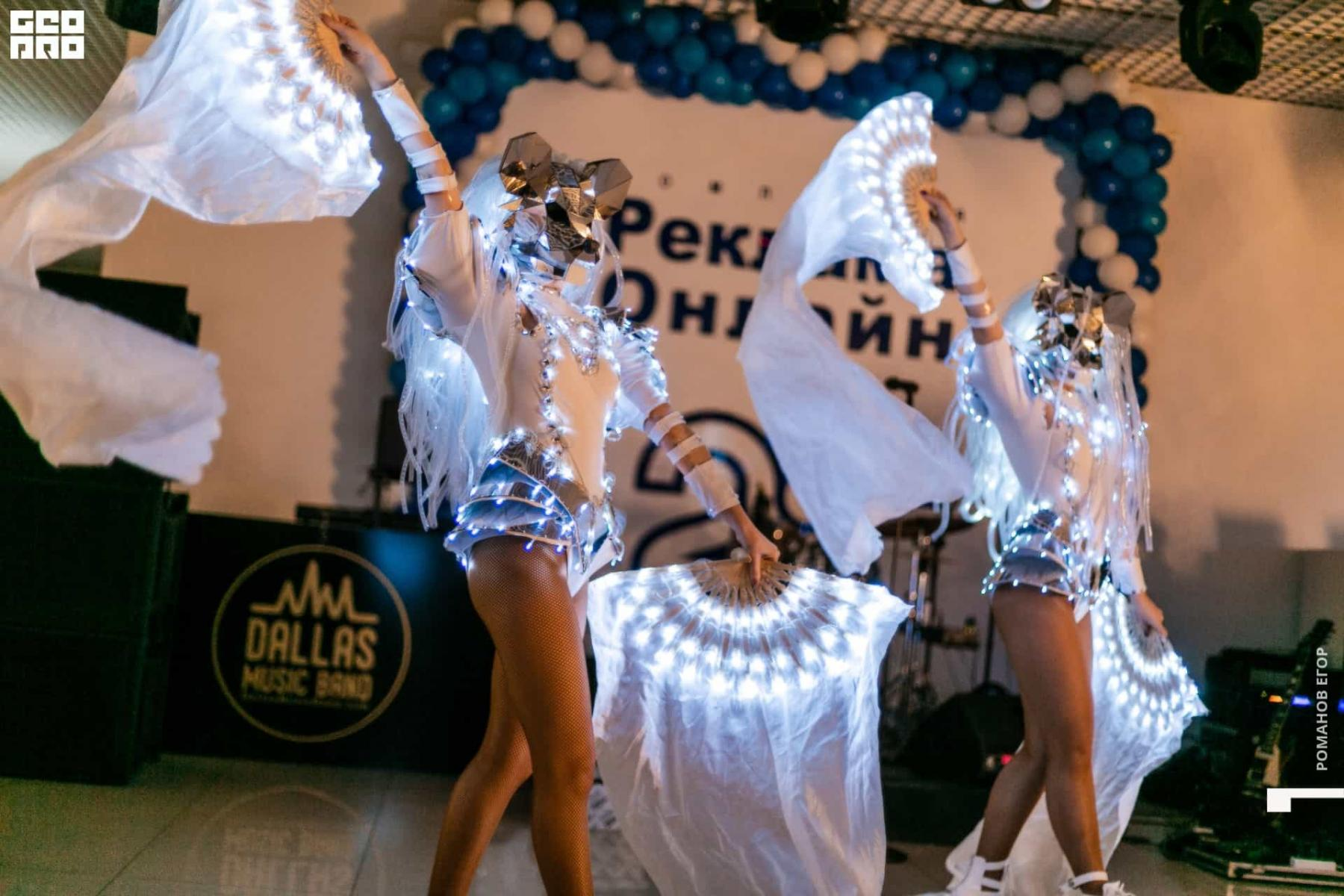 Фото Юбилей с размахом: Митя Фомин два дня выступал на празднике ГК «Реклама Онлайн» 3