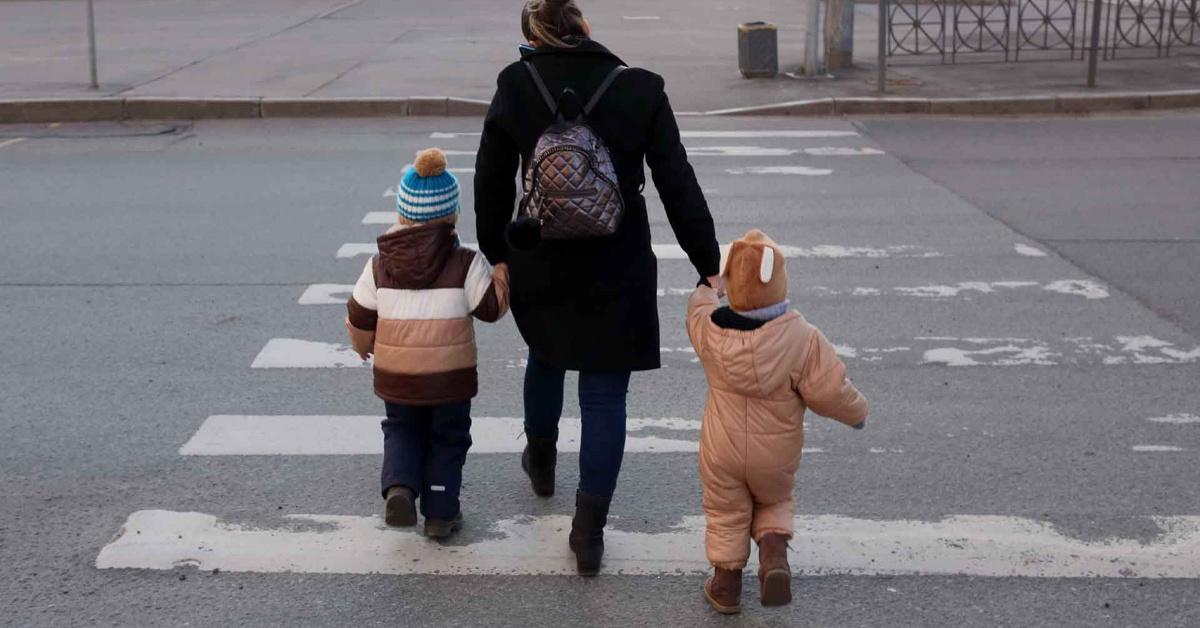 Фото Путин поручил ввести дополнительные льготы для родителей-одиночек 2