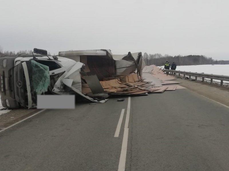 Фото Водитель погиб на трассе Томск-Мариинск - фото 3
