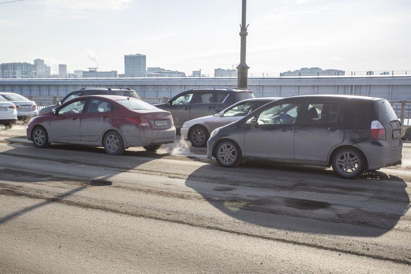 фото Прощай, подвеска: 10 фото убийственных ям на Октябрьском мосту в Новосибирске 7