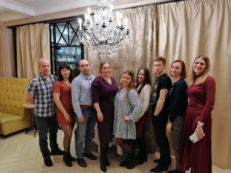 фото «Мужчин сюда вытащить очень сложно»: как в Новосибирске проходят свидания вслепую и зачем на таких встречах нумеролог 3