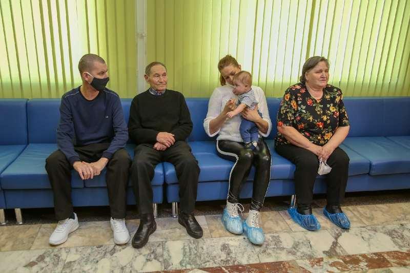 Фото В очереди за жизнью: десятки пациентов в Новосибирске остались без трансплантации органов из-за пандемии 4