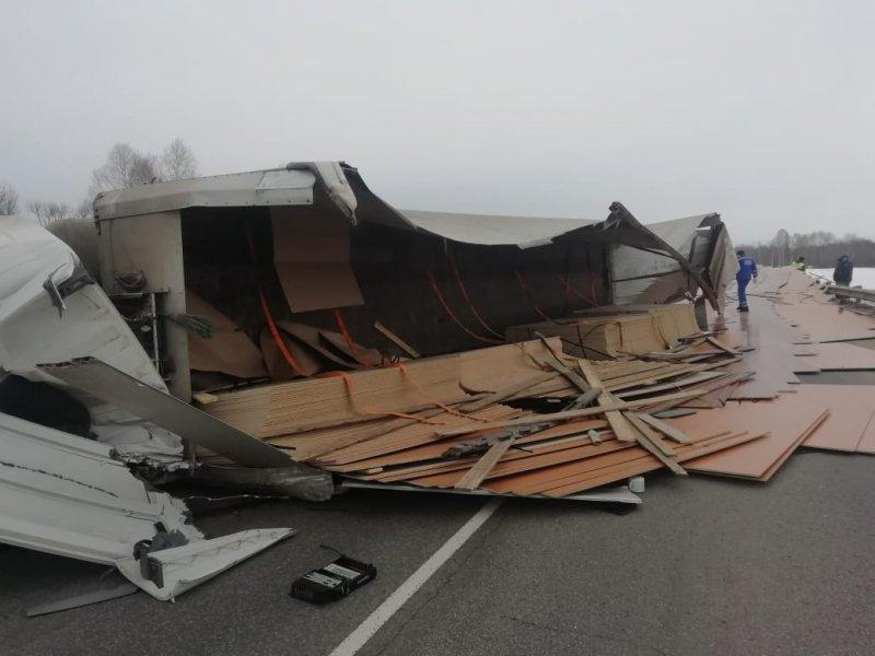 Фото Водитель погиб на трассе Томск-Мариинск - фото 2