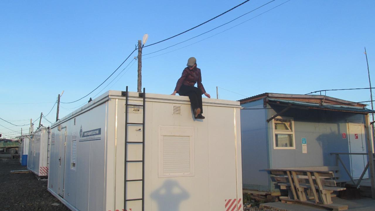 фото «Шеф у нас любил устраивать попойки»: сибирячки рассказали о своих служебных романах 13