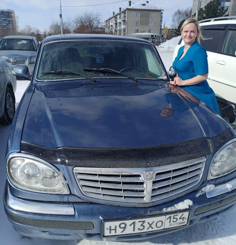фото «Мужчины косо смотрят – не доверяют»: автоледи из Бердска рассказали, как справляются с механикой и зачем им на самом деле машины 2