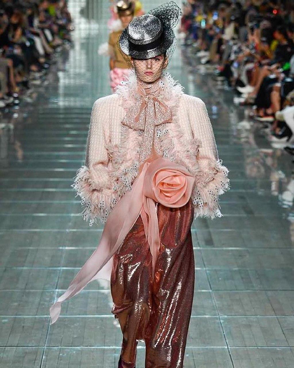 фото «После выпускного улетела в Париж»: бердчанка рассказала, как стала моделью в 16 лет, снялась для Dior и объехала 25 стран 6