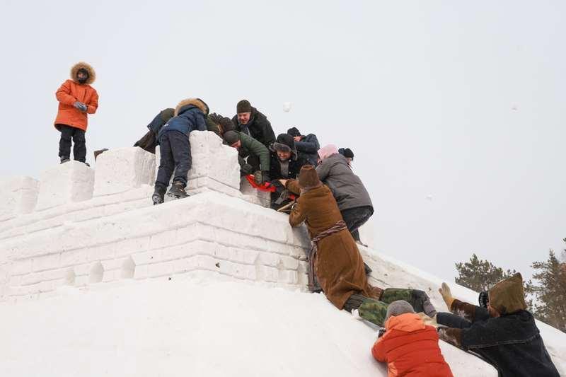 Фото В Новосибирске проводы зимы прошли в Зашиверской церкви 2
