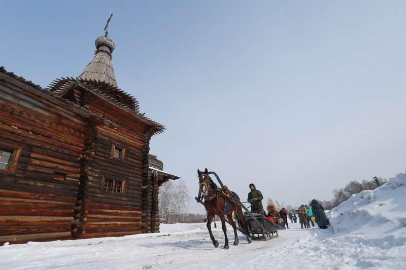 Фото В Новосибирске проводы зимы прошли в Зашиверской церкви 3