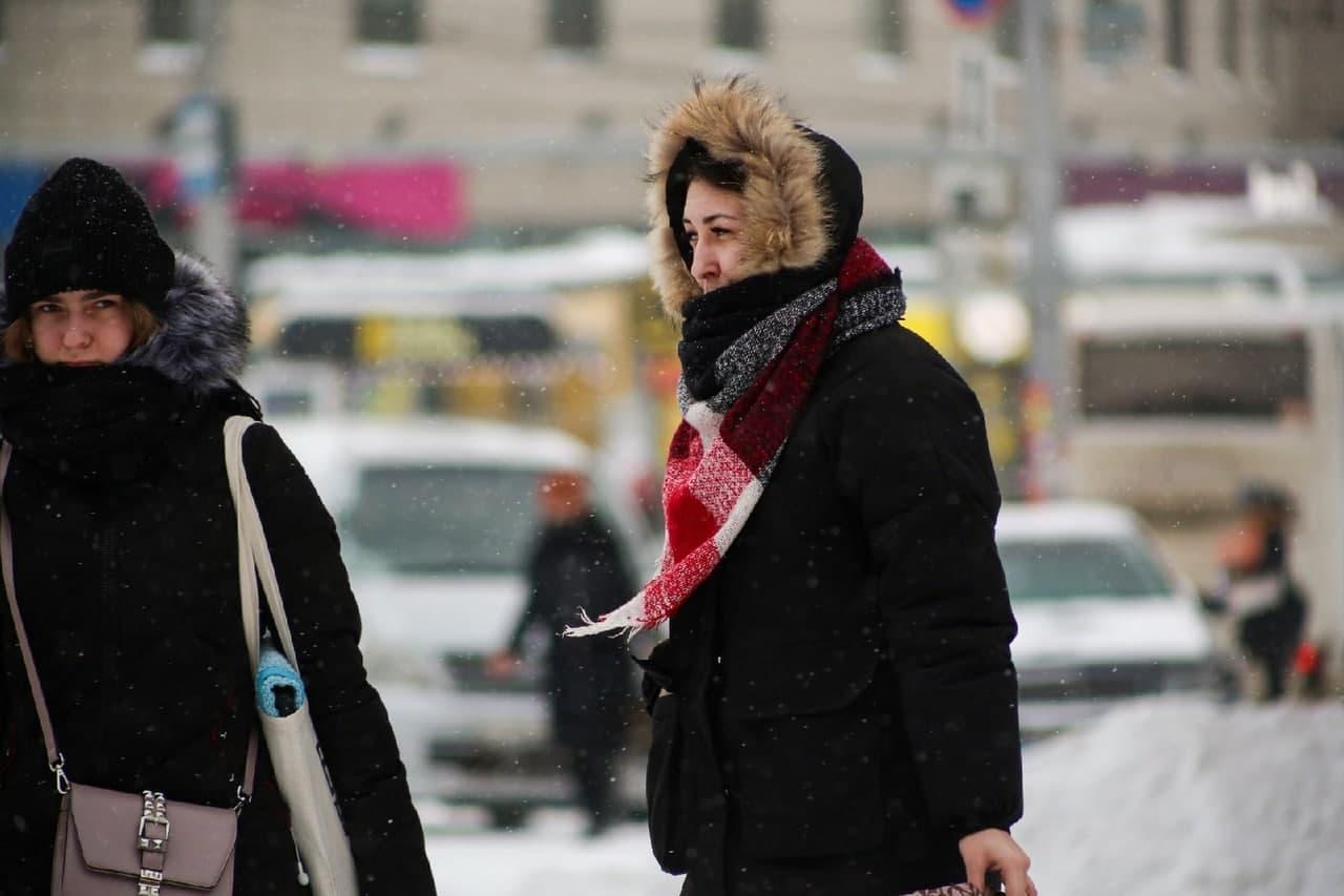 фото Мартом не пахнет: смотрим на заваленные снегом улицы Новосибирска в первый день весны 4