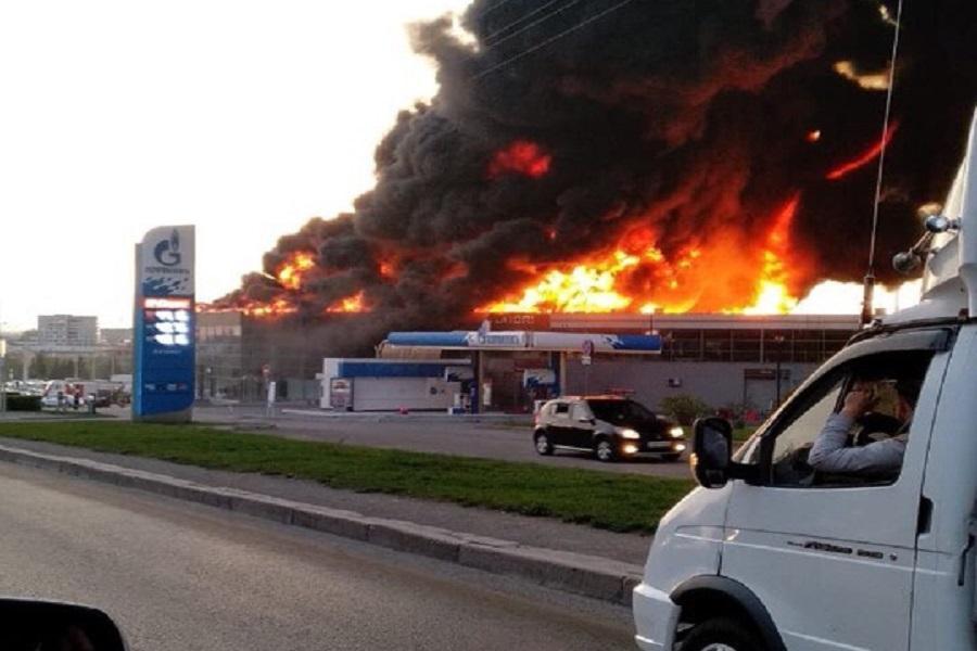 Сгорел автосалон в москве автоломбард спб невский район