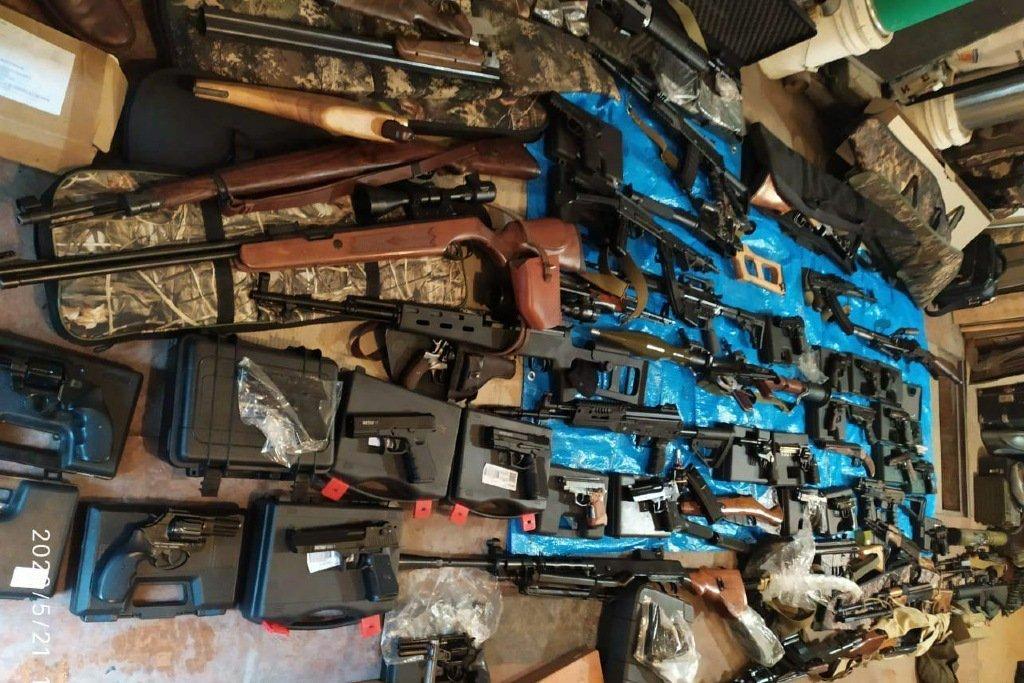 фото Арсенал оружия обнаружили в Новосибирской области 2