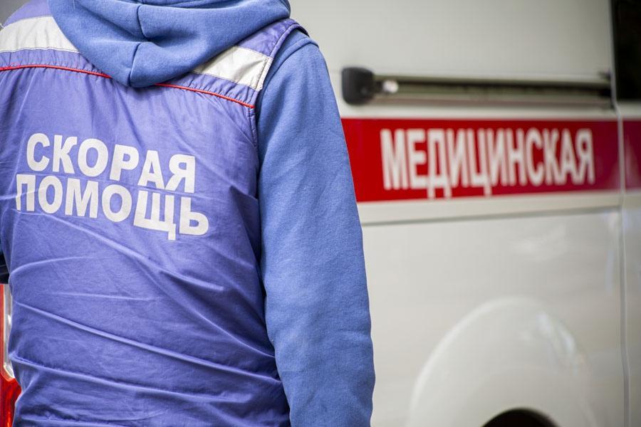 фото «Тяжёлых без очереди»: фоторепортаж из приёмного отделения коронавирусного госпиталя в Новосибирске 6