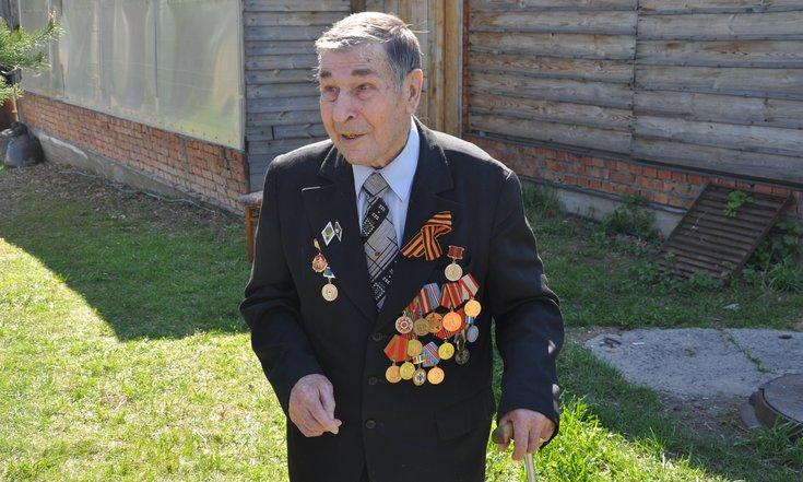 фото «Спасибо за Победу!»: полпред Сергей Меняйло поздравил ветеранов по телефону 3