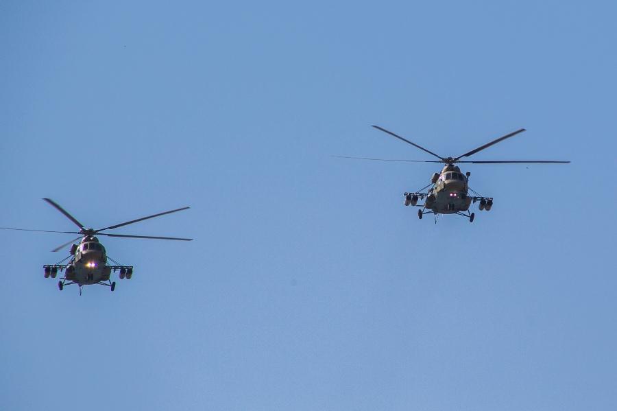фото В Новосибирске прошёл авиапарад в честь 75-летия Победы 5