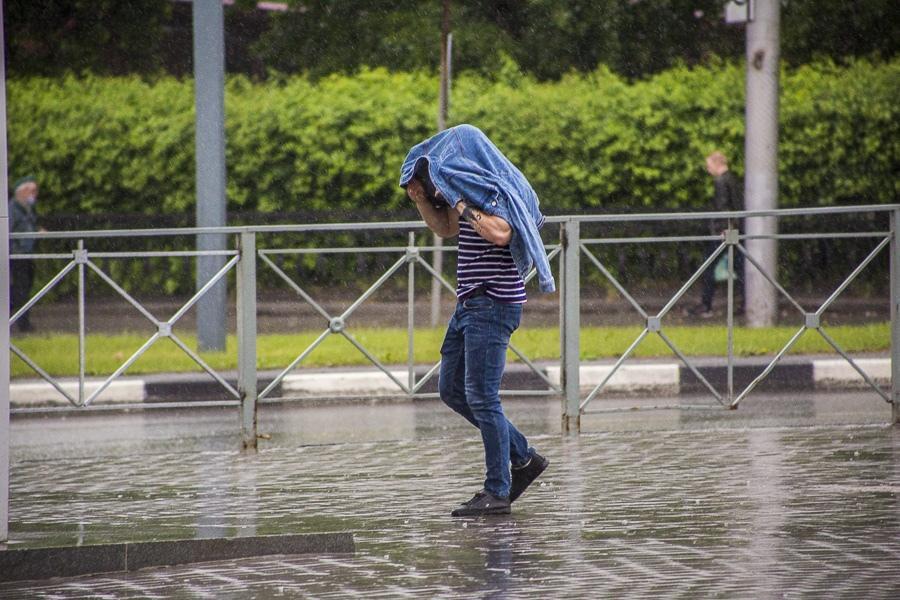 фото Ураган идёт в Новосибирск: спасатели предупредили о чрезвычайной ситуации 2