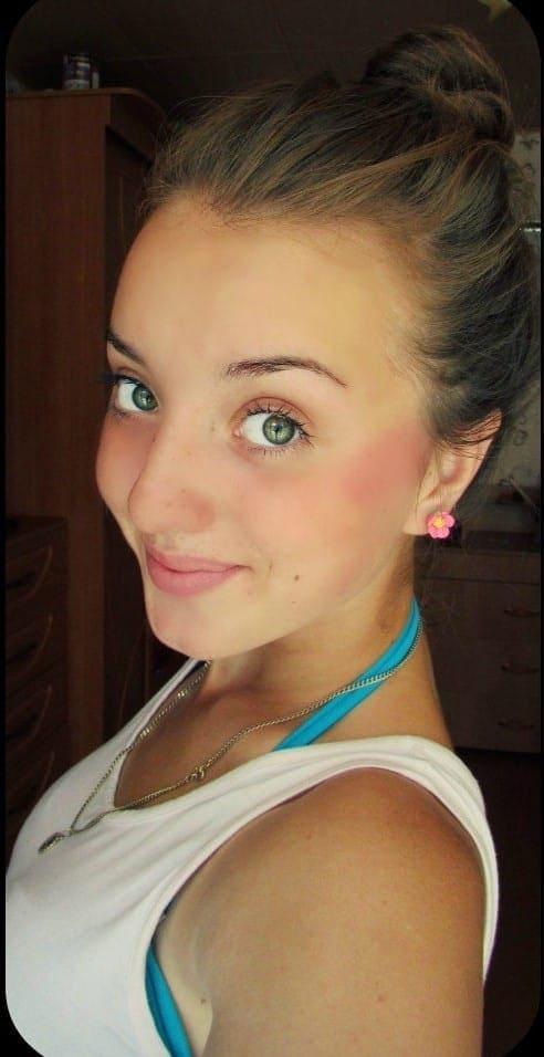 Фото «Она пока слабая, держится температура»: новосибирской студентке Жанне Семёновой провели трансплантацию костного мозга 2