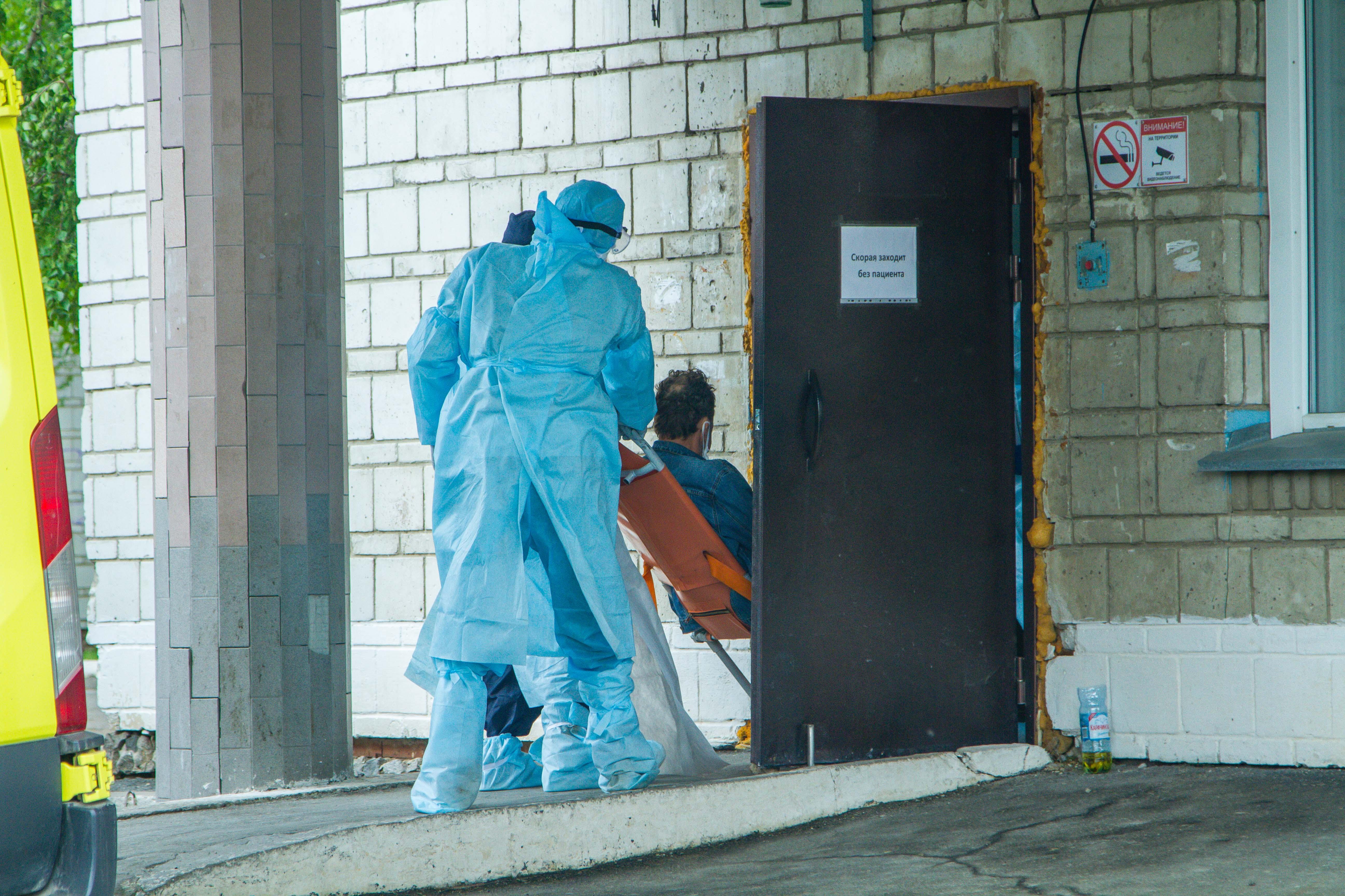 Фото «Врачи оказались в заложниках»: родственники умерших от коронавируса медиков в Новосибирске могут остаться без компенсаций 3