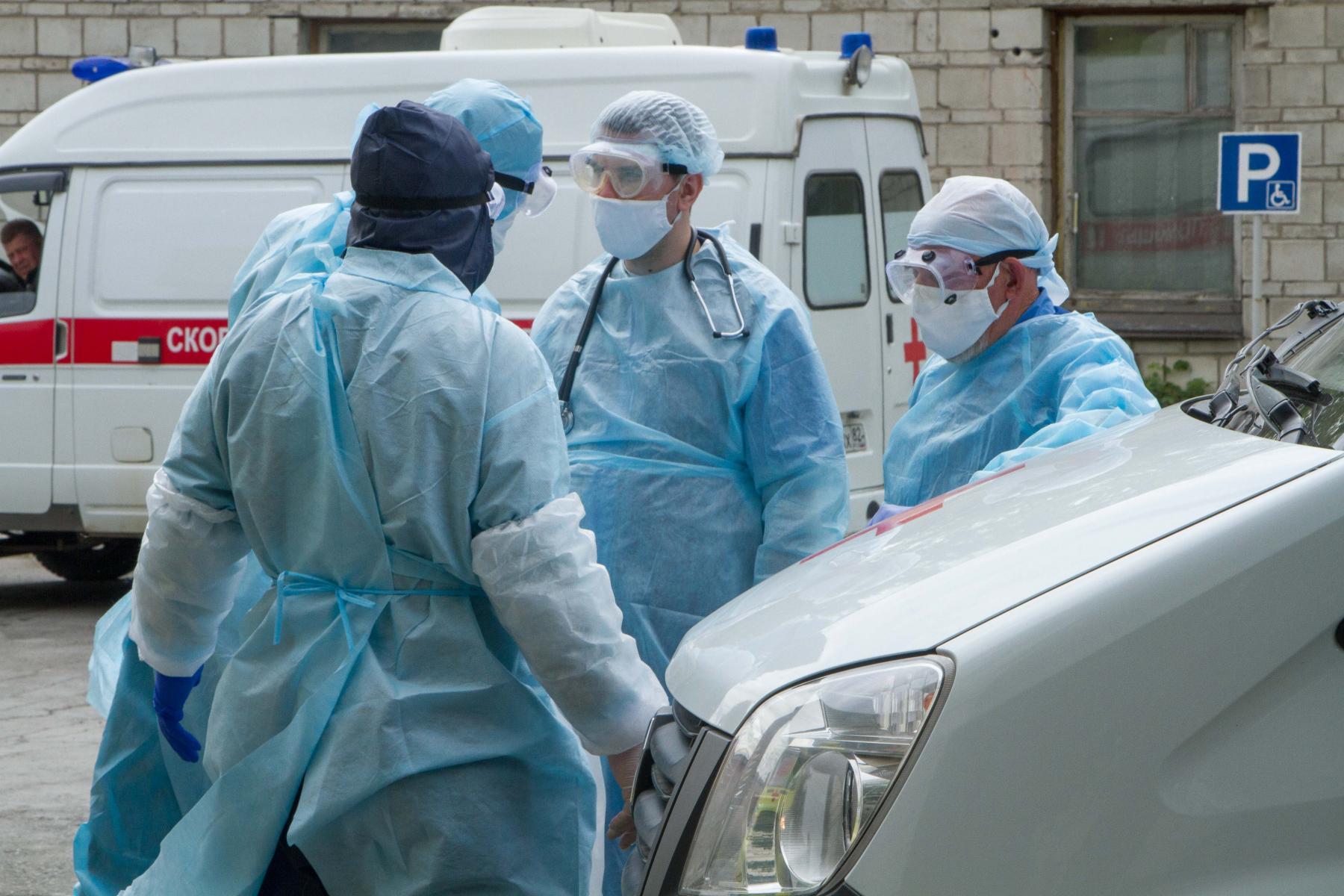 Фото «Врачи оказались в заложниках»: родственники умерших от коронавируса медиков в Новосибирске могут остаться без компенсаций 6