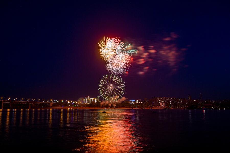 фото Салют 9 мая 2020 года: самые яркие залпы 6