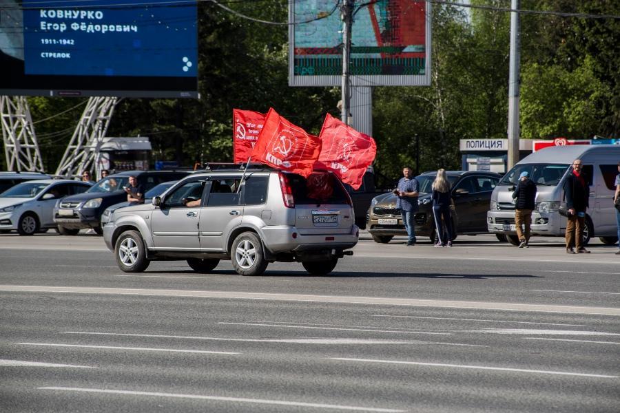 фото В Новосибирске прошёл авиапарад в честь 75-летия Победы 6
