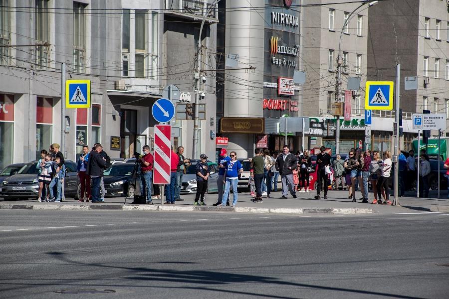 фото В Новосибирске прошёл авиапарад в честь 75-летия Победы 4