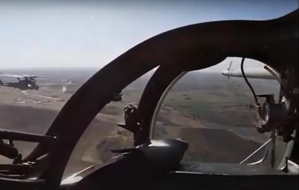 Фото Военные показали, как выглядел воздушный парад над Новосибирском из кабины пилота 2