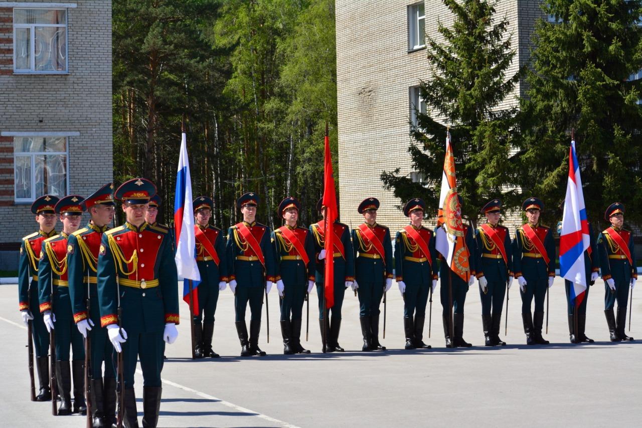 фото В Новосибирском военном училище состоялся торжественный выпуск офицеров 2