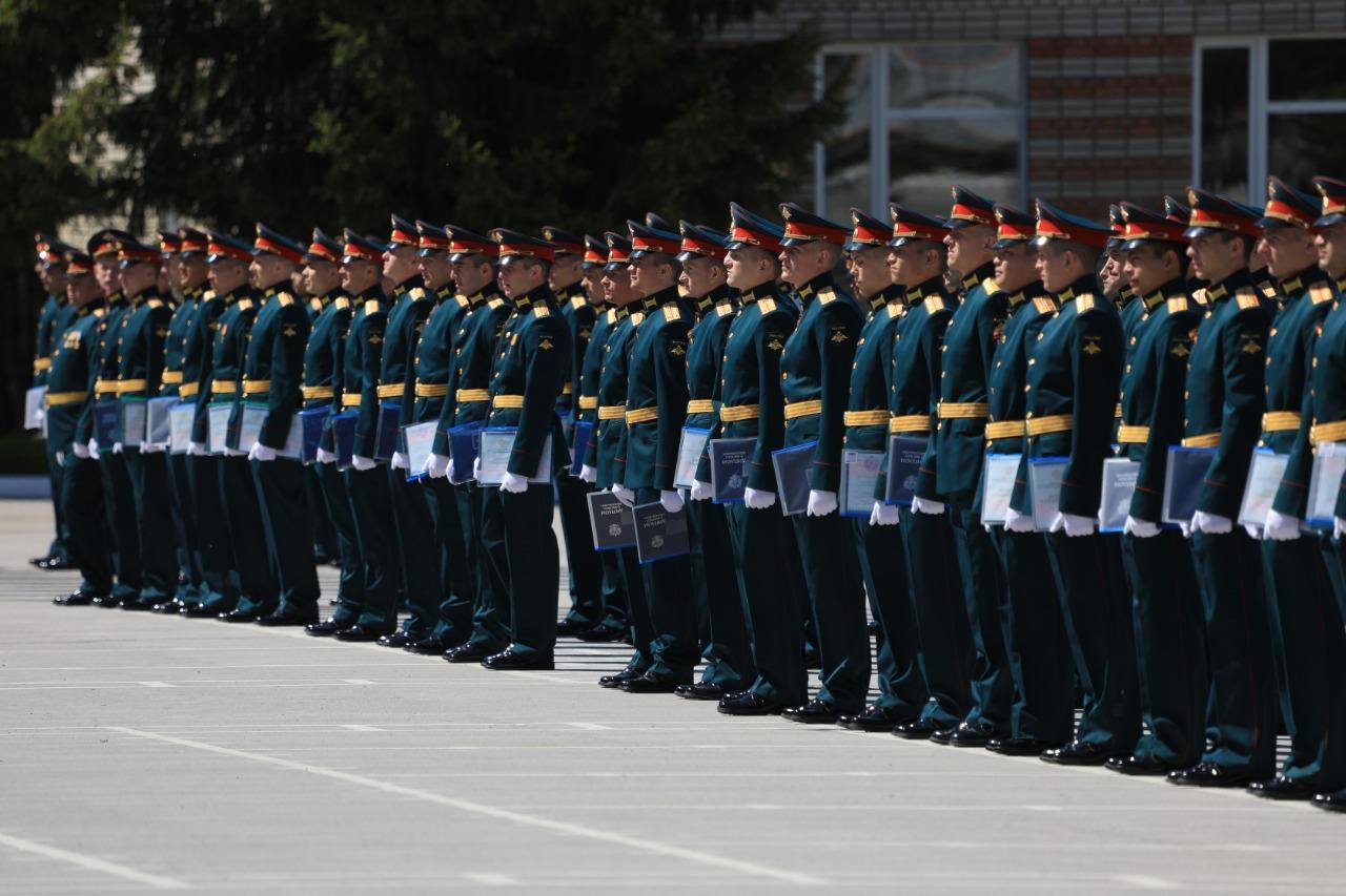фото В Новосибирском военном училище состоялся торжественный выпуск офицеров 3