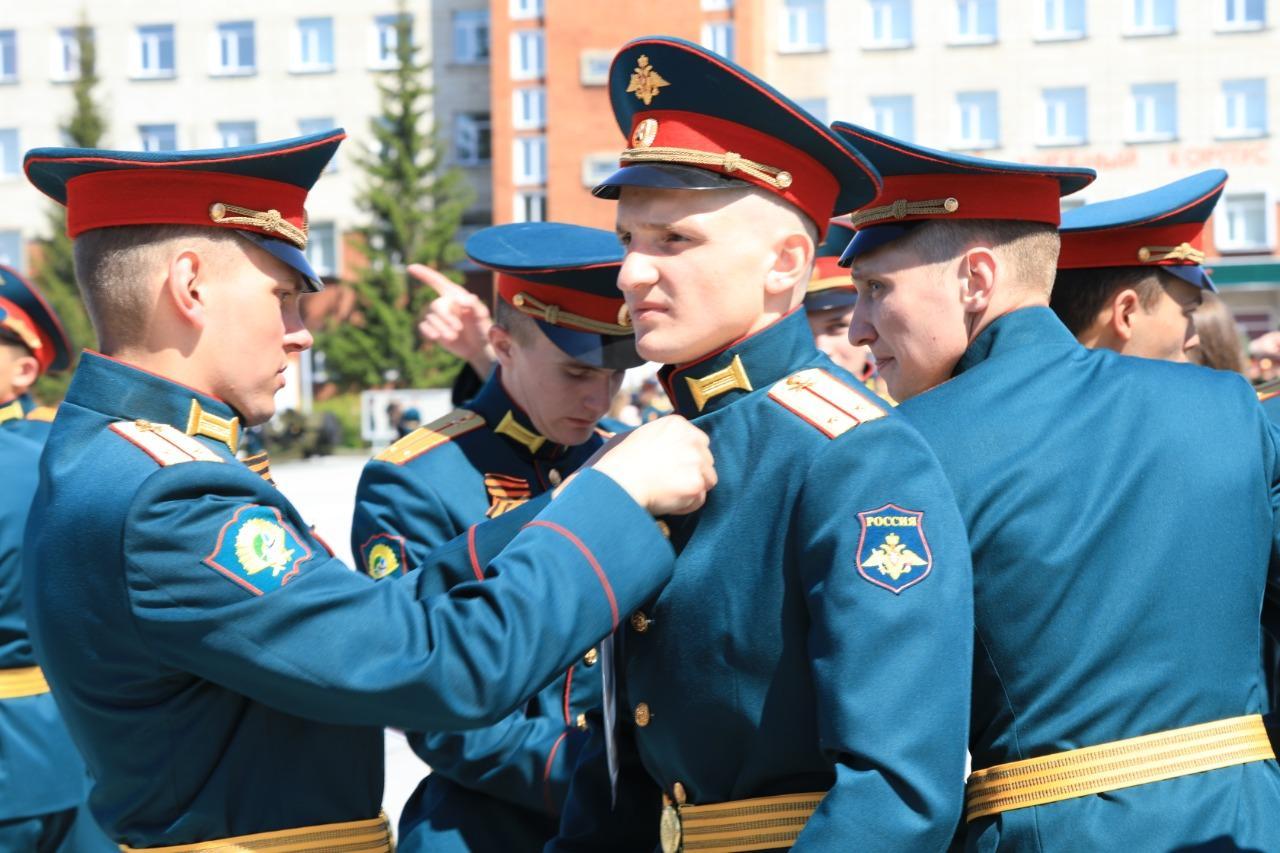 фото В Новосибирском военном училище состоялся торжественный выпуск офицеров 4