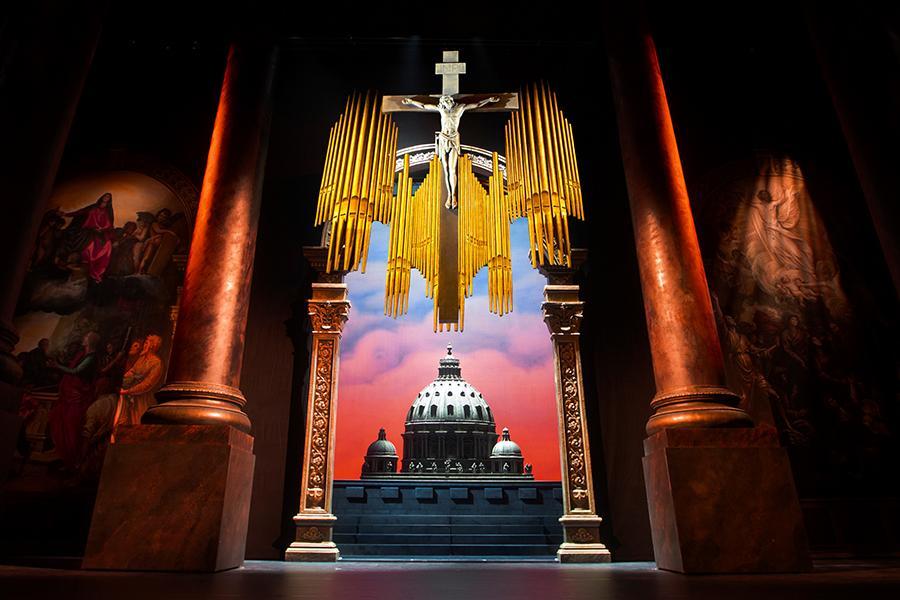 Фото Вероника Джиоева на Большой сцене НОВАТа 2
