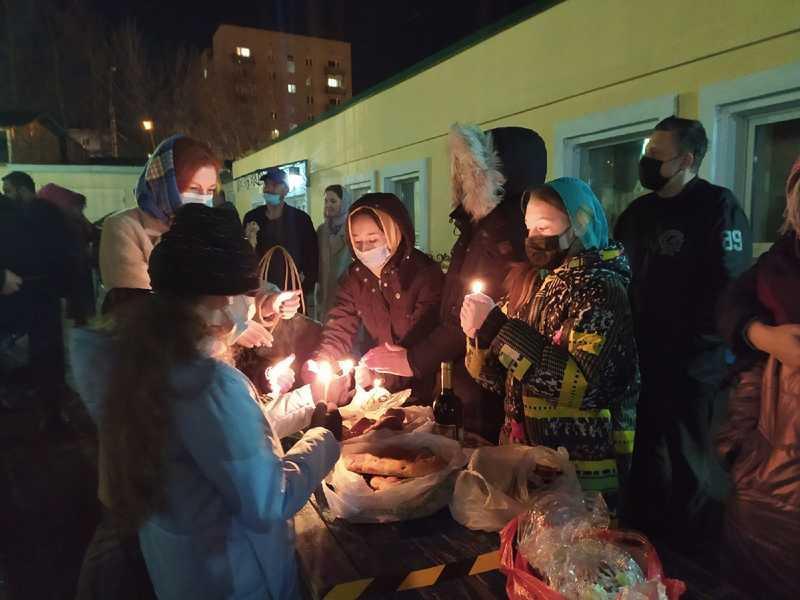 фото Православные верующие отмечают Великую Пасху 2 мая 2