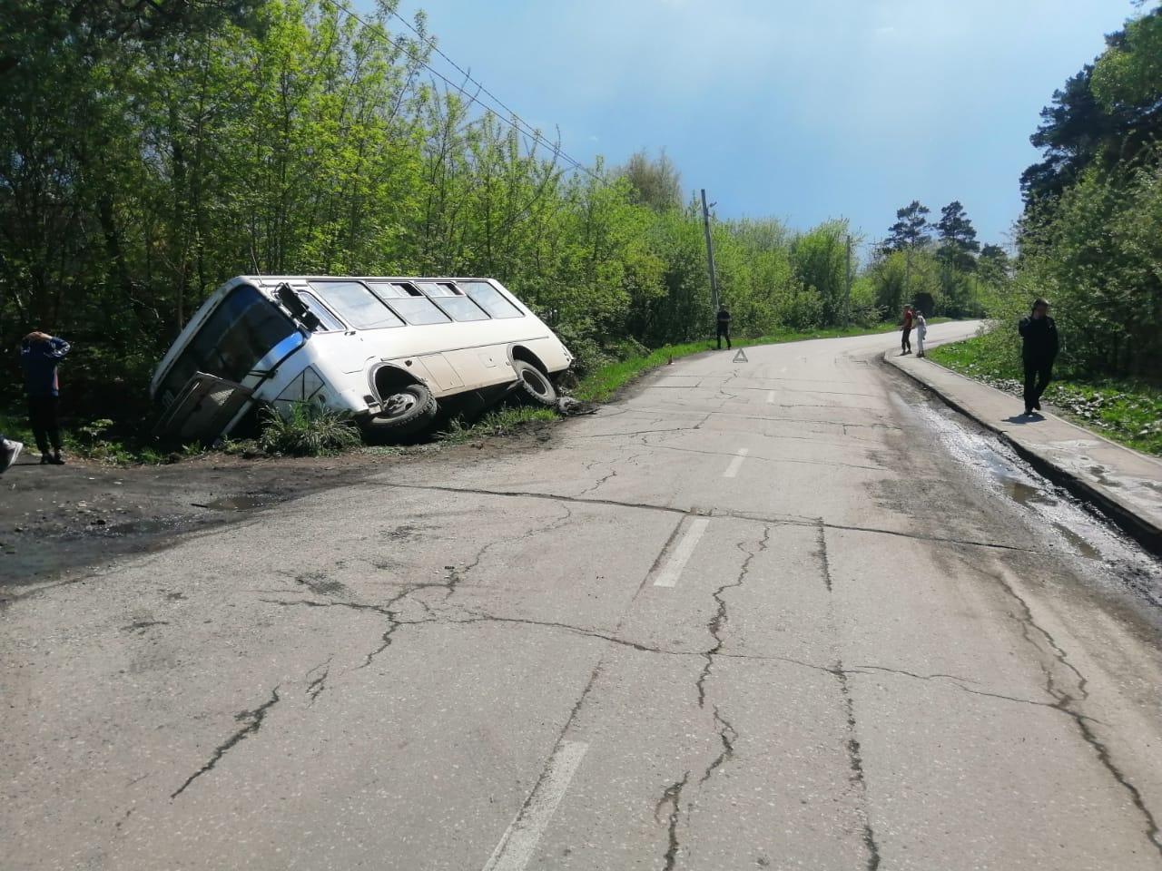 фото Подростки на самокатах спровоцировали ДТП с пассажирским автобусом под Новосибирском 2