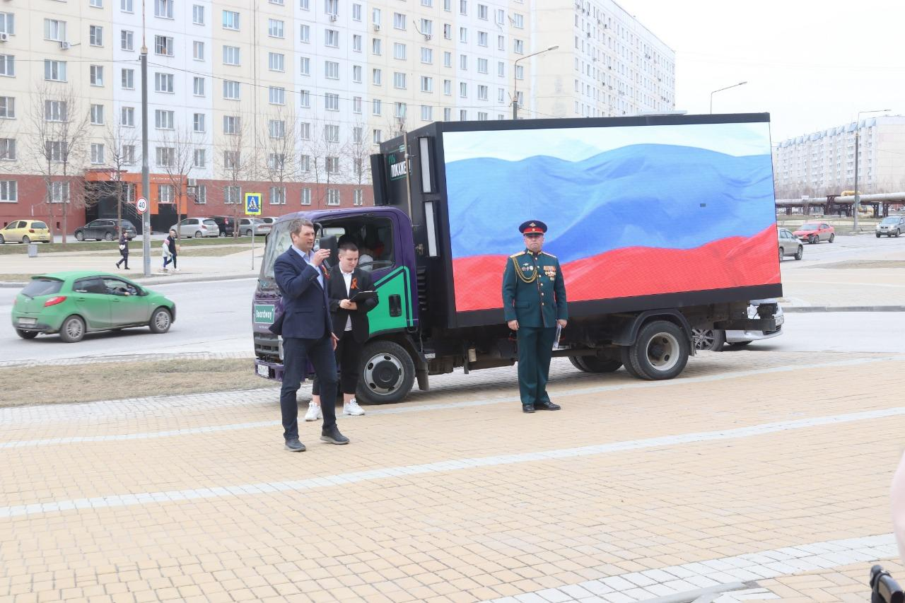 фото В Новосибирске для ветеранов провели мини-парад военной техники 2
