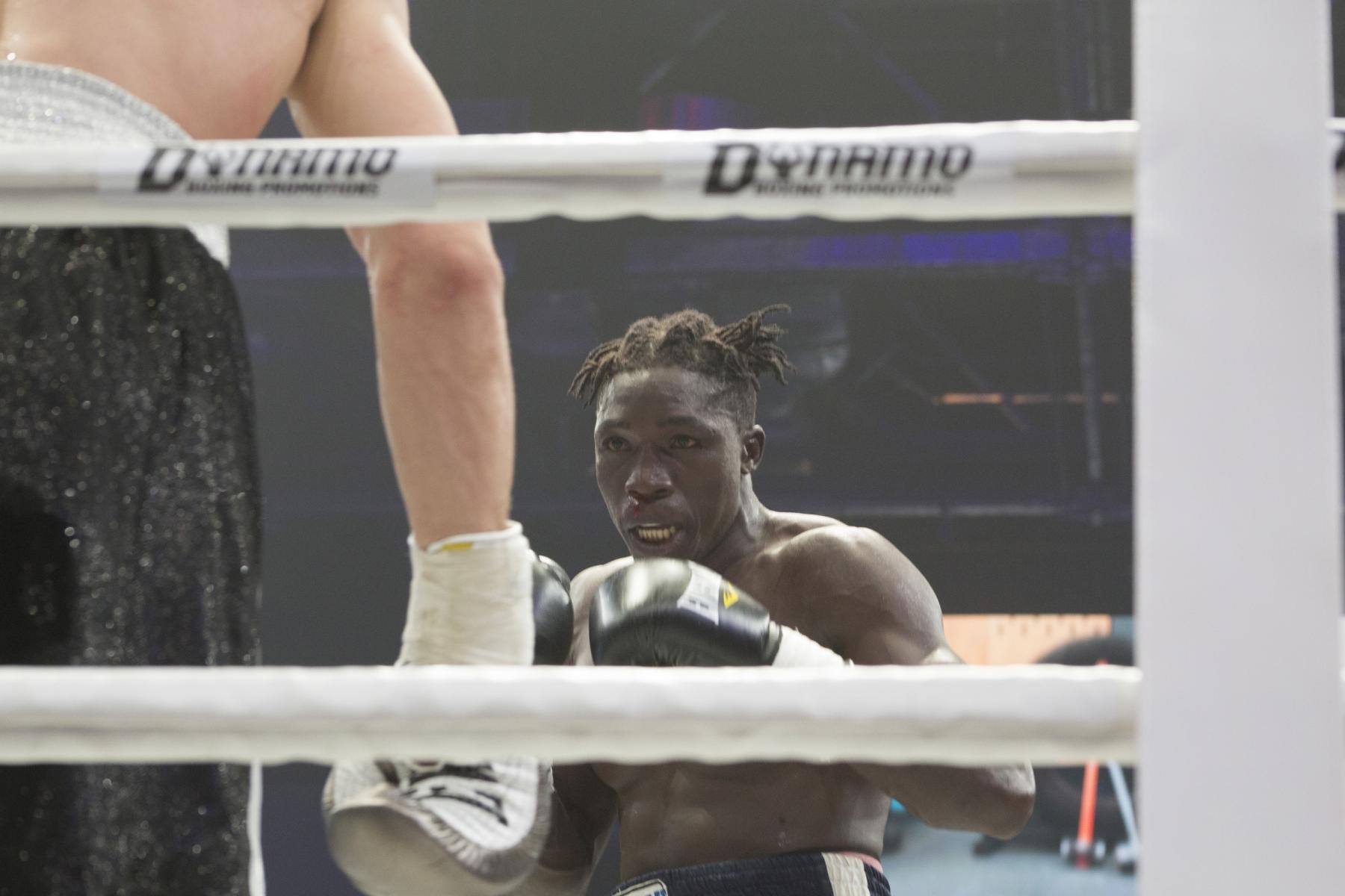 фото Боксёр из Новосибирска Павел Силягин стал азиатско-тихоокеанским чемпионом WBO 4