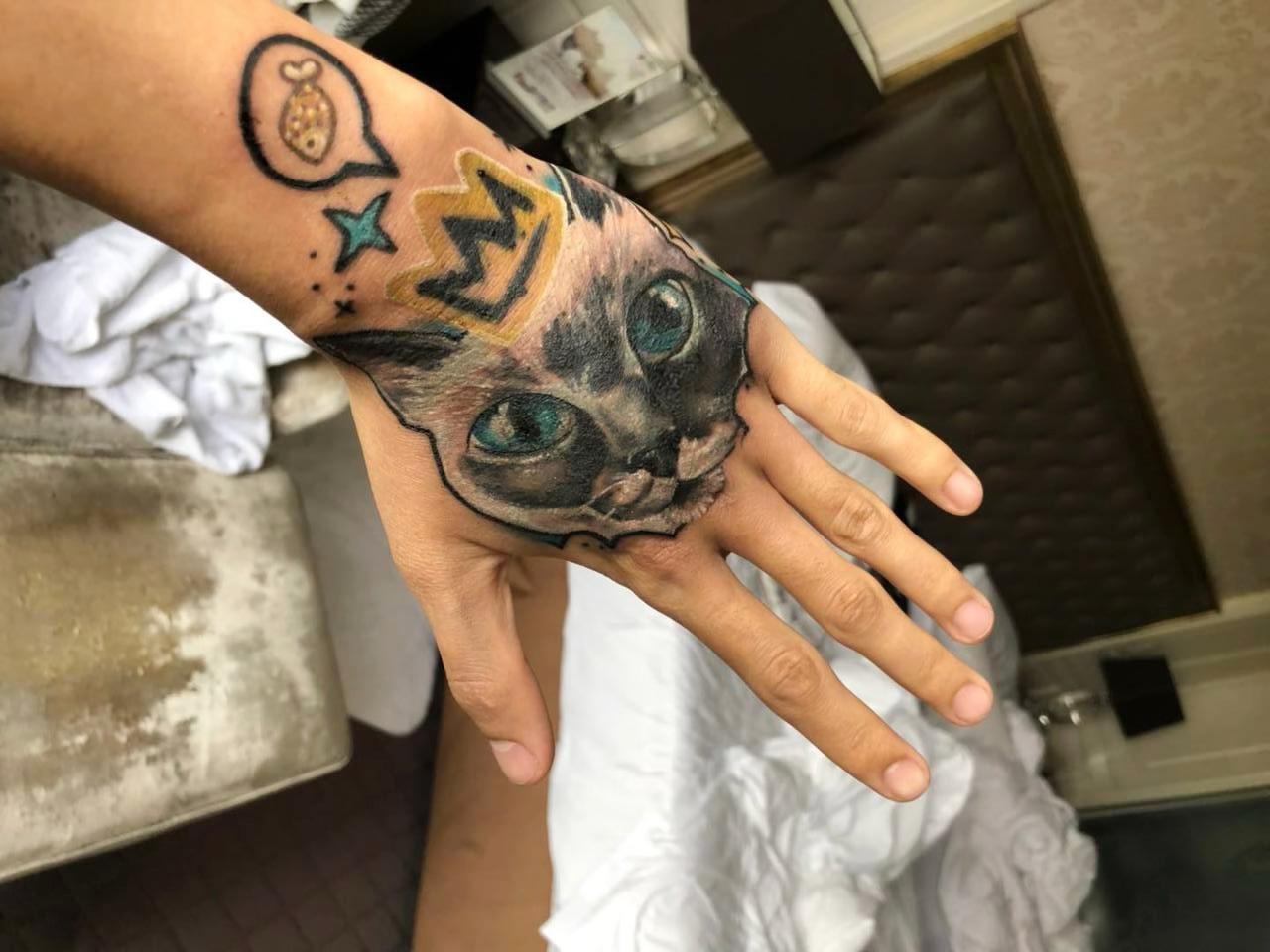 фото Блог в Instagram и татуировка с её изображением: как финалистка конкурса «Главный котик Новосибирска-2021» Шакира покоряет сердца фанатов 5