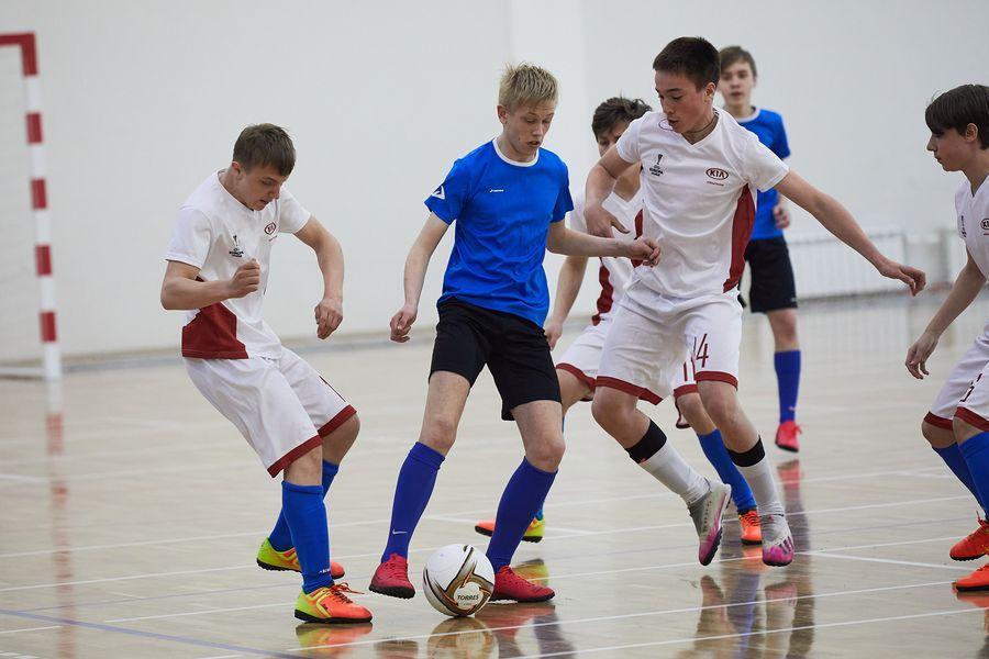 фото Путёвка в жизнь – футбол: благотворительный турнир от компании «МегаФон» прошёл в Новосибирске 11