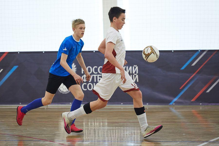 фото Путёвка в жизнь – футбол: благотворительный турнир от компании «МегаФон» прошёл в Новосибирске 12