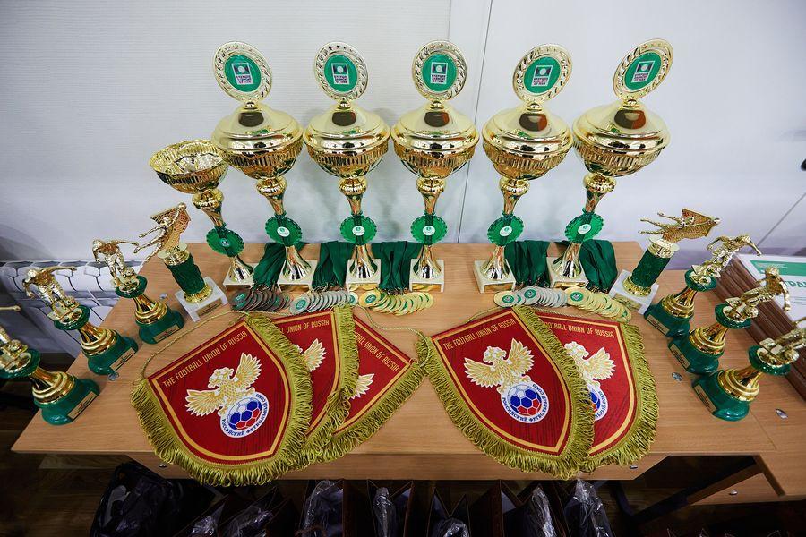 фото Путёвка в жизнь – футбол: благотворительный турнир от компании «МегаФон» прошёл в Новосибирске 13