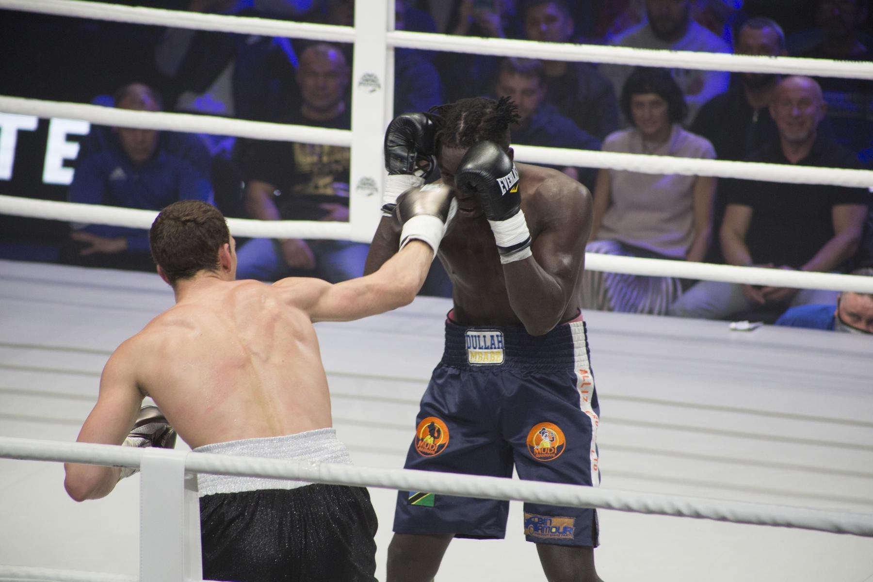 фото Боксёр из Новосибирска Павел Силягин стал азиатско-тихоокеанским чемпионом WBO 5